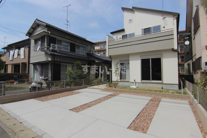 ブルーミングガーデン 浜松市中区萩丘5丁目1棟-長期優良住宅-の外観①
