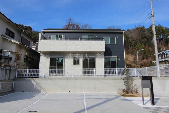 ブルーミングガーデン 神戸市北区大池見山台1棟-長期優良住宅-の外観①