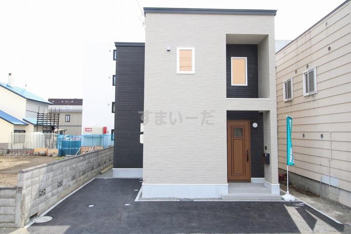 ブルーミングガーデン 札幌市東区本町1条2丁目1棟-長期優良住宅-の外観①