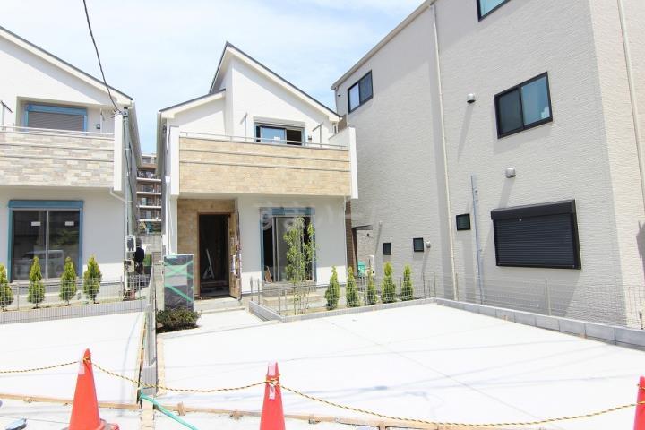ブルーミングガーデン 横浜市保土ヶ谷区常盤台2棟の外観①