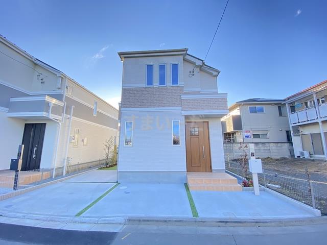 完成予想図パースになります♪この予想図のように6邸が誕生します。外観は街並みに溶け込むデザインとなっており、完成が待ち遠しいですね♪