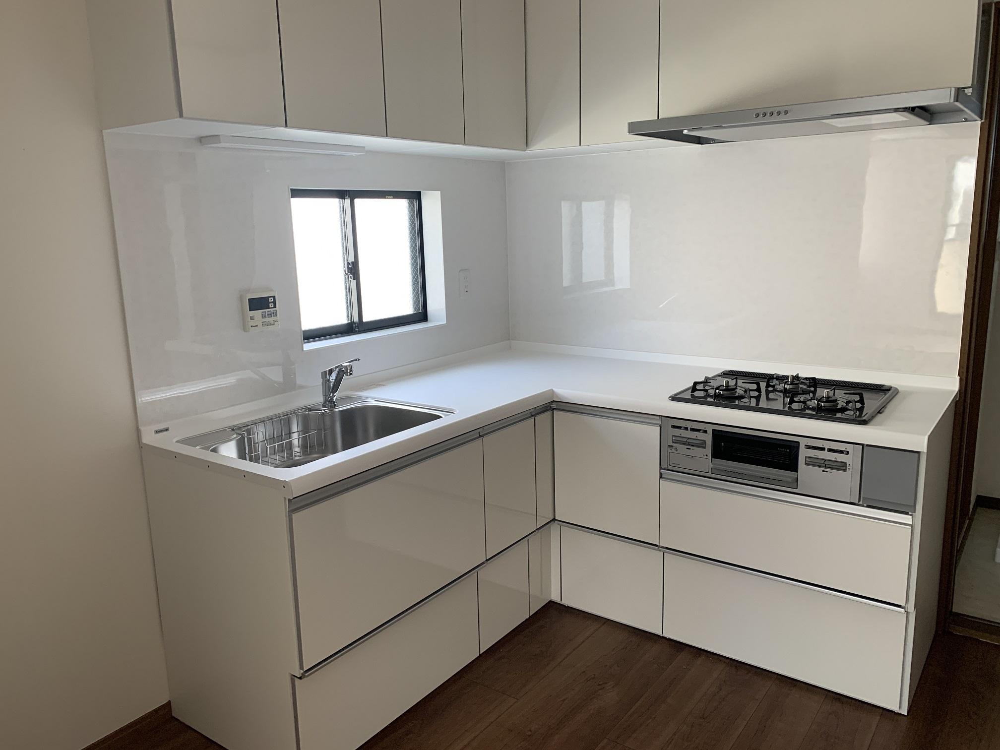 L字型キッチン新規交換済みです!