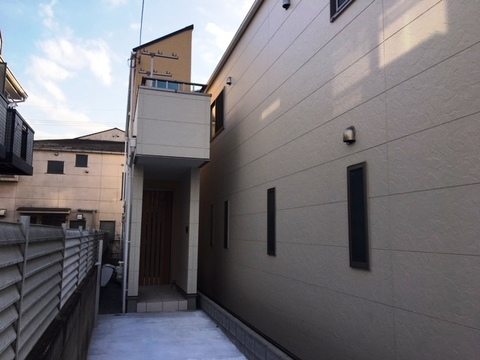 練馬区高野台5丁目B号棟 LDK18.5帖床暖房・食洗機付き 主寝室8帖 グルニエ有