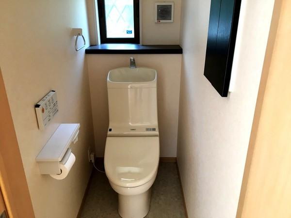 【トイレ】収納付・1階トイレです!