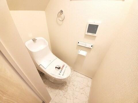 【トイレ】ウォシュレット機能付き。
