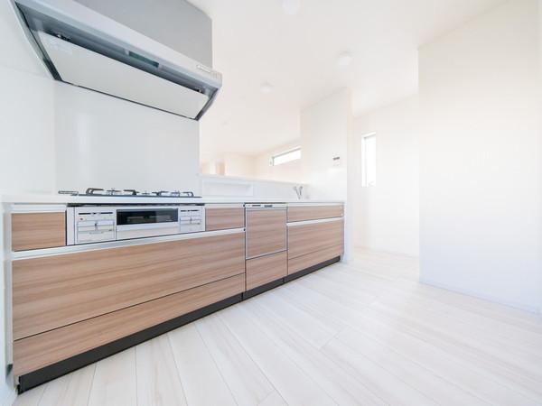 【キッチン】パントリー付きで収納充実のキッチンです