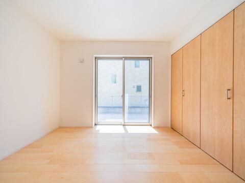 【洋室】全居室収納付きで広々住空間
