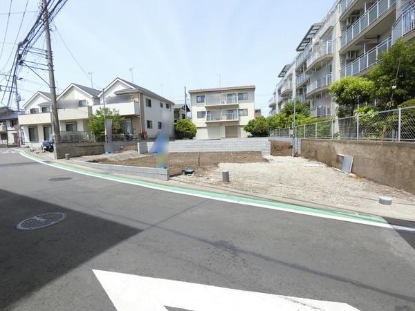 【前面道路含む現地写真】令和3年6月下旬、完成予定!