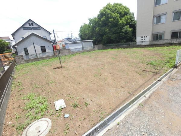 【前面道路含む現地写真】小学校近くお子様の通学も安心の立地