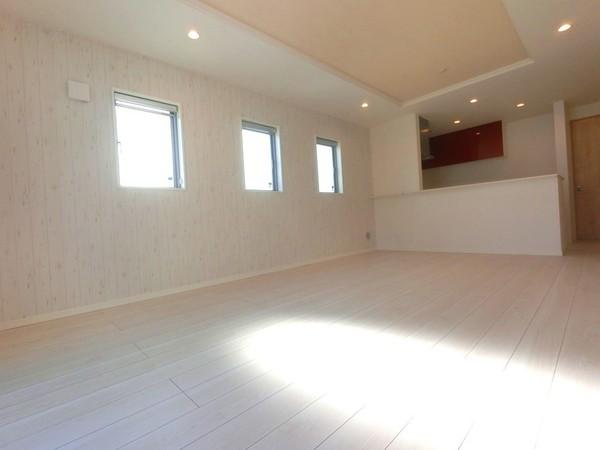【前面道路含む現地写真】令和3年12月、完成予定です