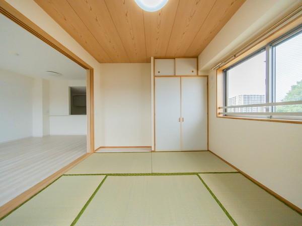 【和室】リビングには和室が隣接しています