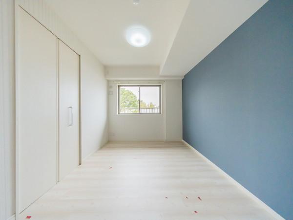 【洋室】シンプルで飾り過ぎない室内