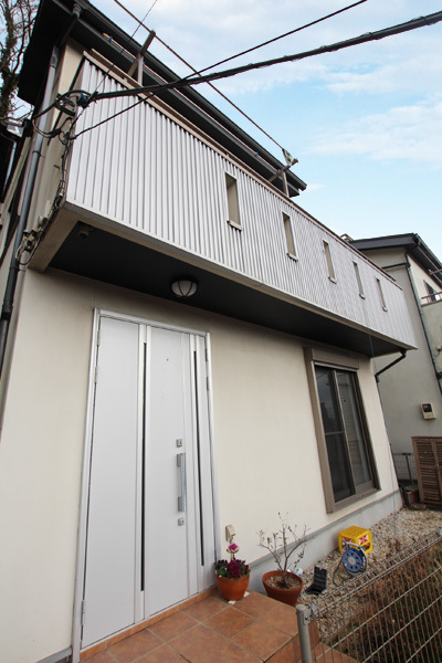 Roof balcony detached house on