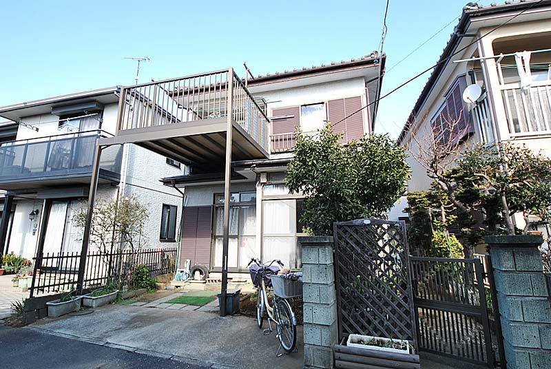 """Forming place """"house of Kagawa"""" of south road"""
