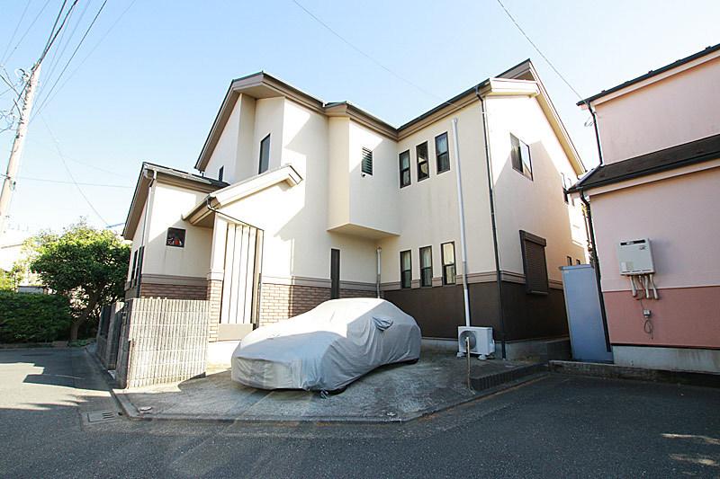 駅徒歩圏の2世帯住宅!閑静な住宅...