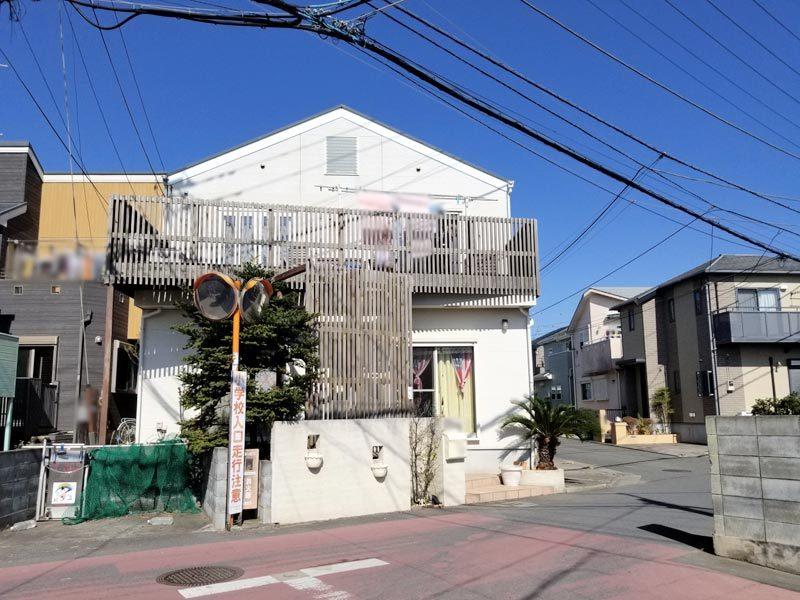 東南・南西角地。浜須賀小学校近く...