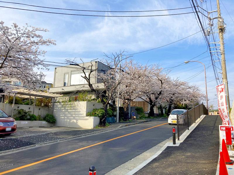 鎌倉山バスロータリーより、徒歩1...