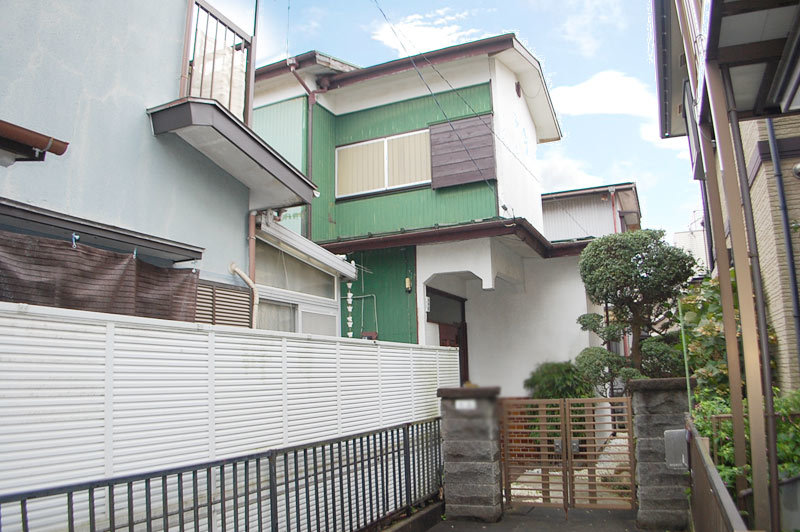 Quiet house of a 16-minute walk from Kitachigasaki station...