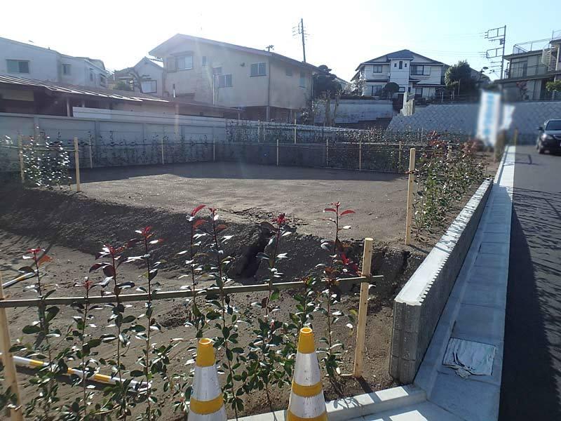 藤沢駅徒歩15分。本鵠沼駅徒歩8...