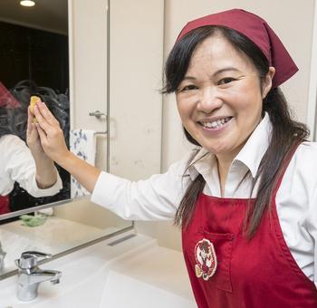 今回は洗面所の掃除方法を紹介します。 掃除の基本から、工夫するポイントまでわかりやすく解説します。 おうち時間が長い今、ぜひチャレンジしてみましょう!