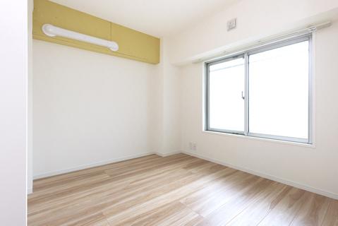 【居室】様々な用途があるお部屋。子供部屋・趣味部屋・収納部屋とあなたのライフスタイルに合った役割のお部屋を作り上げれます。