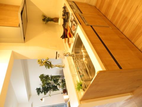 お話の弾むカウンターキッチンビルトイン食洗器設置