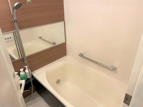 追炊き機能付きの浴室です。浴室換気暖房乾燥機も付いています。
