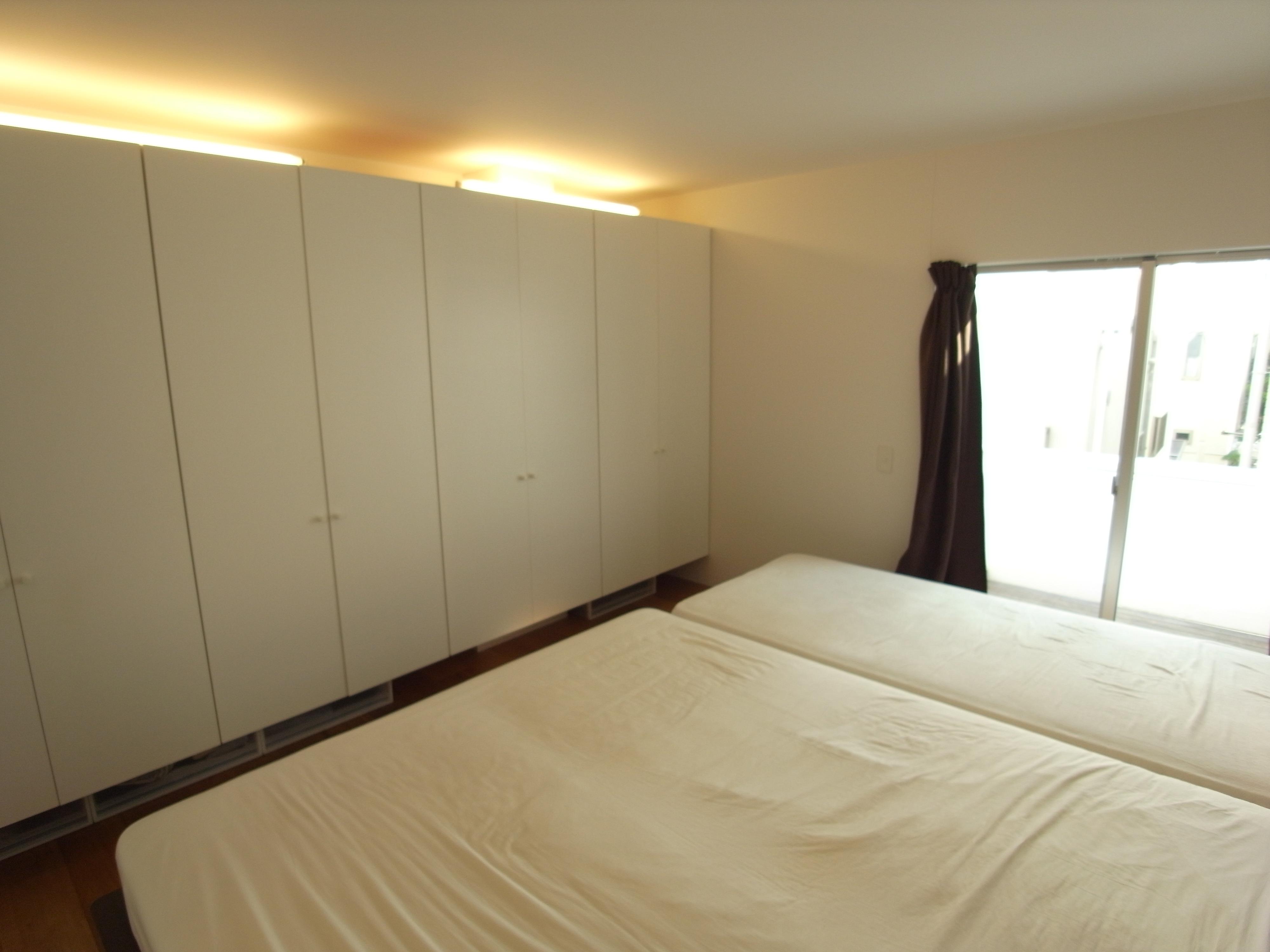 画像 寝室インテリアの画像集 おしゃれ 壁紙 照明 風水 ブラインド