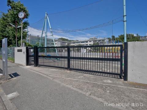 川崎市立菅生小学校 距離760m