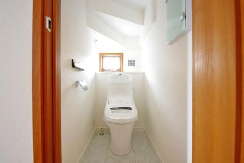 小窓付きトイレで換気良好
