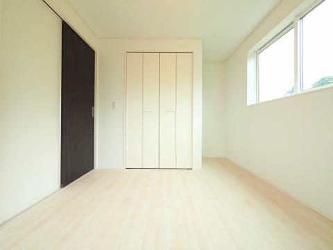 洋室約5.58帖 収納スペースあり