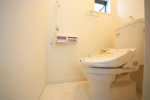 小窓付きのトイレは換気〇