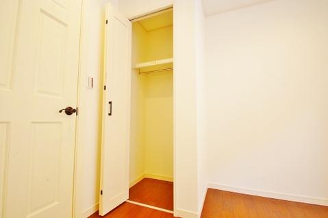 サービスルーム約4.5帖収納スペース