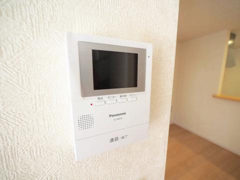 TVモニター付きインターフォンで安心のセキュリティ
