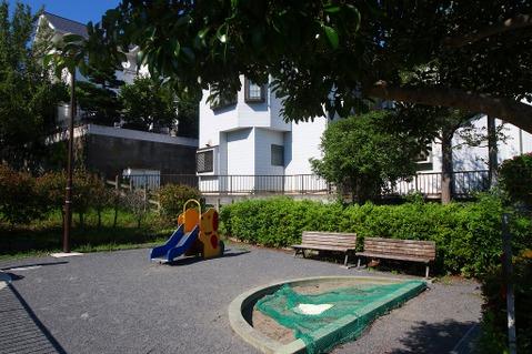 日吉本町西原公園 距離260m