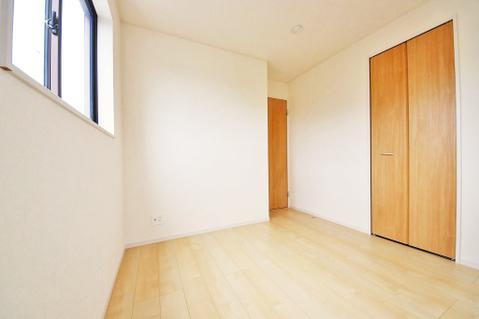 洋室約4.7帖 収納スペースあり