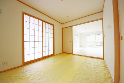 リビング横の和室は食後の団欒や、お子様のお昼寝にもぴったりです