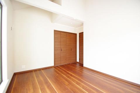 約7.39帖の広々としたお部屋は主寝室にピッタリ