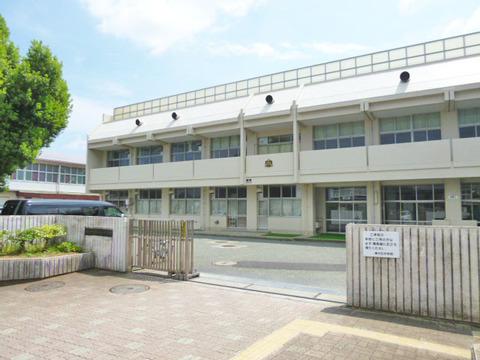 横浜市立緑が丘中学校 距離2200m