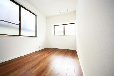 2階 南側4.5帖洋室