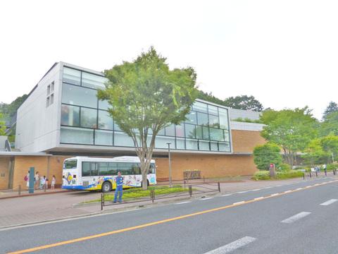 藤子・不二雄ミュージアム 距離900m