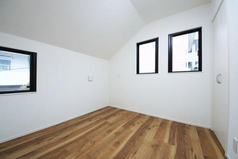 4.5帖洋室 二面採光が嬉しい明るいお部屋です