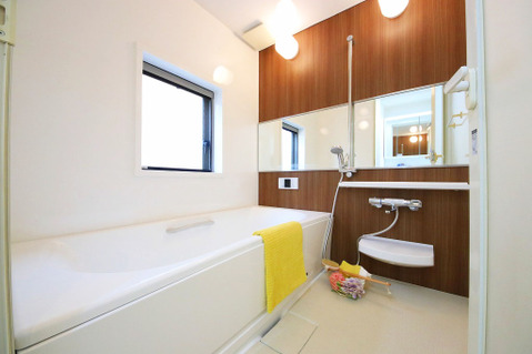 癒しの浴室で、ゆったりバスタイムを…