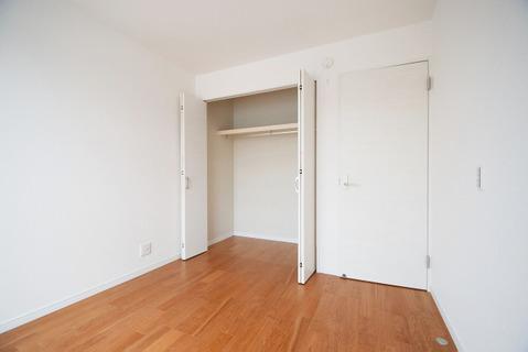 洋室約5.2帖 収納スペース付き