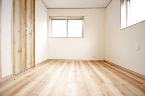 洋室約4.3帖 収納スペース有