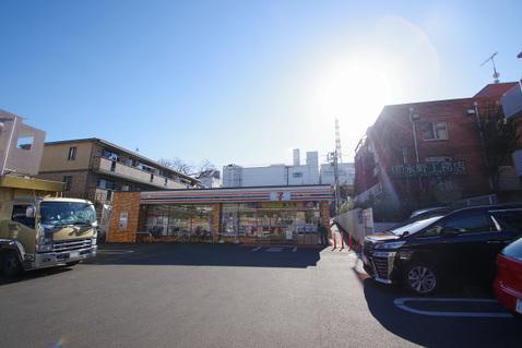 セブンイレブン 横浜梅ヶ丘店 距離550m