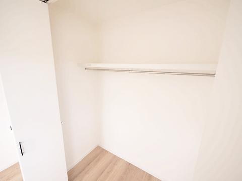 洋室約5.25帖 収納スペース