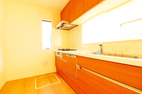 床下収納付き対面式キッチン