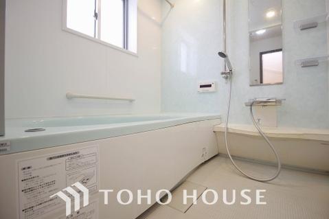 浴室換気暖房乾燥機、浴室ミストシャワー等、充実の設備の浴室
