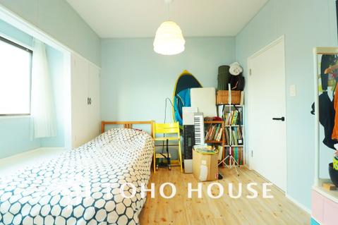 形のきれいな居室は、お好きな家具を置いて自分好みの空間に